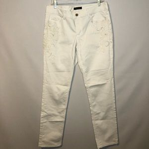 White House Black Market Embroidered Jeans Size 8